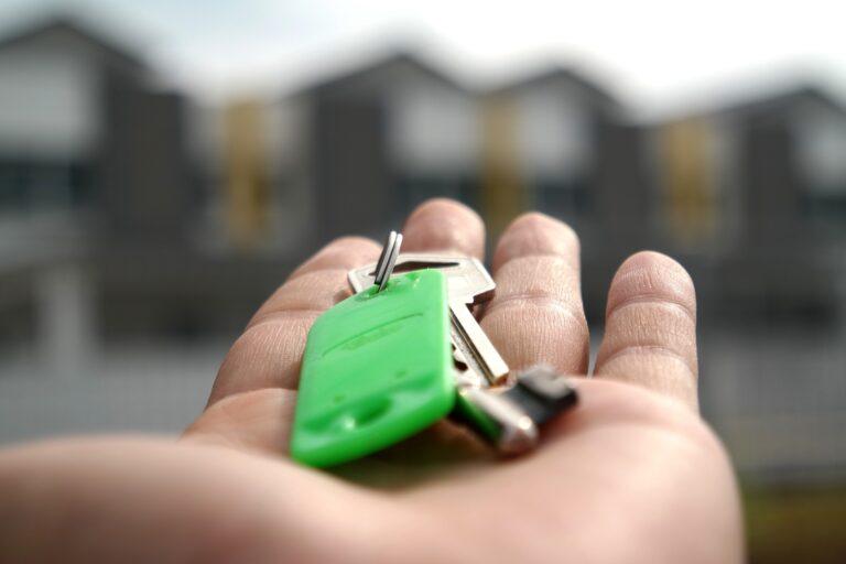 quien paga la hipoteca