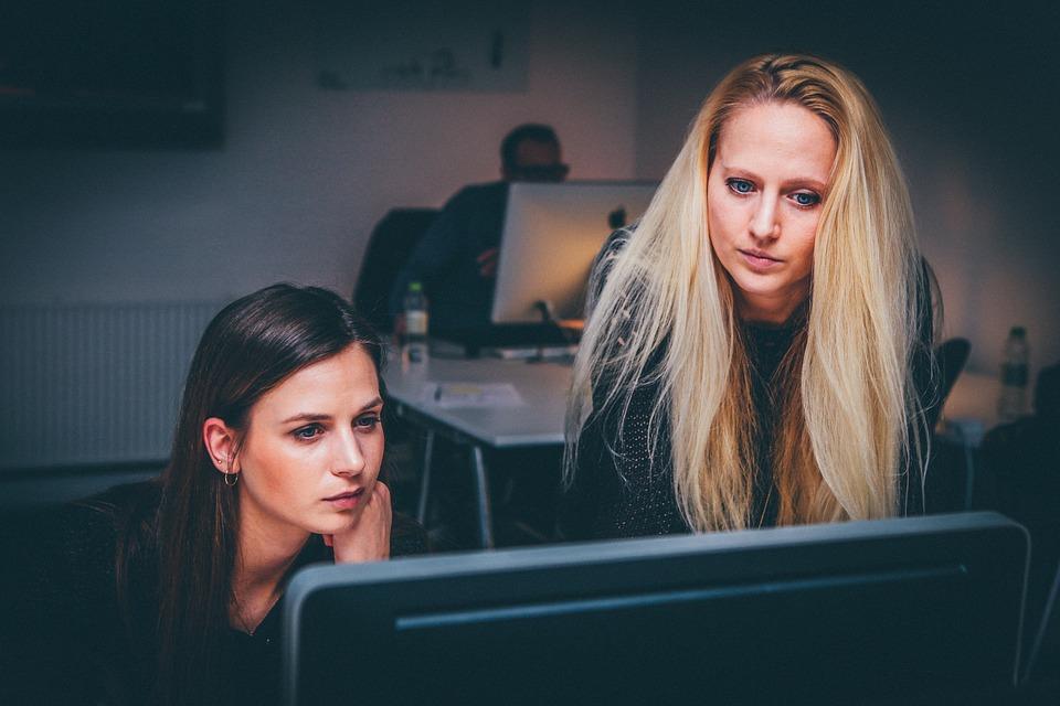 ¿Están cambiando los roles laborales femeninos?