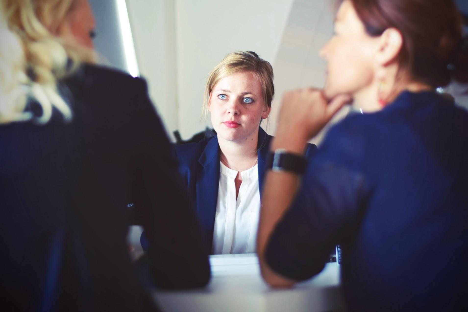 desafíos mujer trabajo